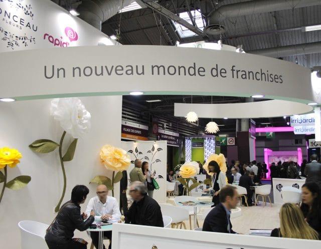 stand-emova-monceaufleurs-agence-shops.jpg